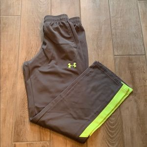 VG Cond. Boys Under Armor youth large pants